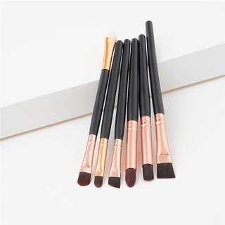 6pcs. Makeup brushes