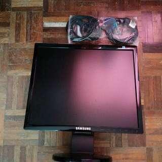 """SAMSUNG LCD MONITOR 17"""""""