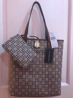 Tommy Hilfiger Bag with Pouch