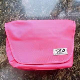 桃紅色相機袋