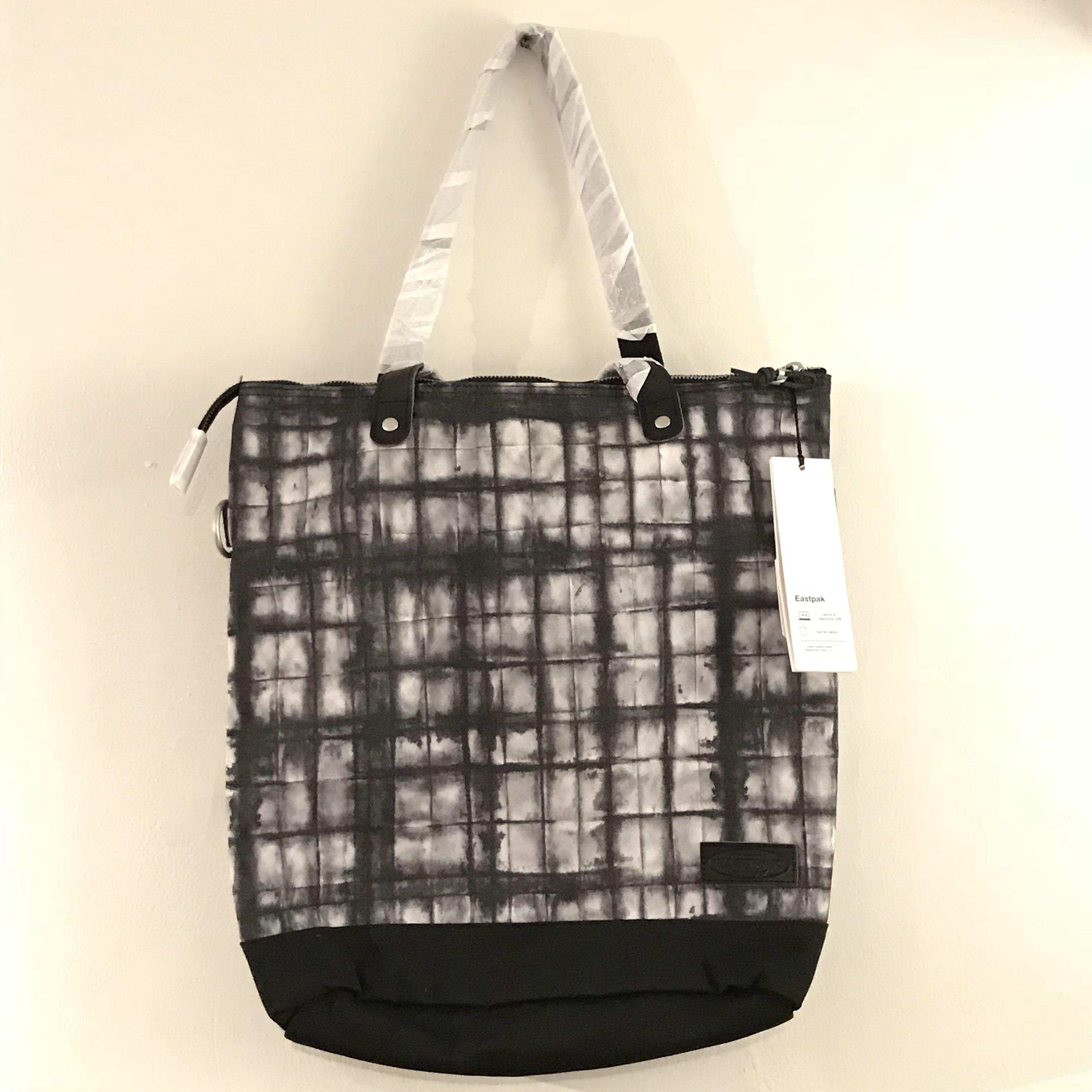 Eastpak Soukie Superb Squarefield Purple Canvas Tote Bag 2435ab21f4