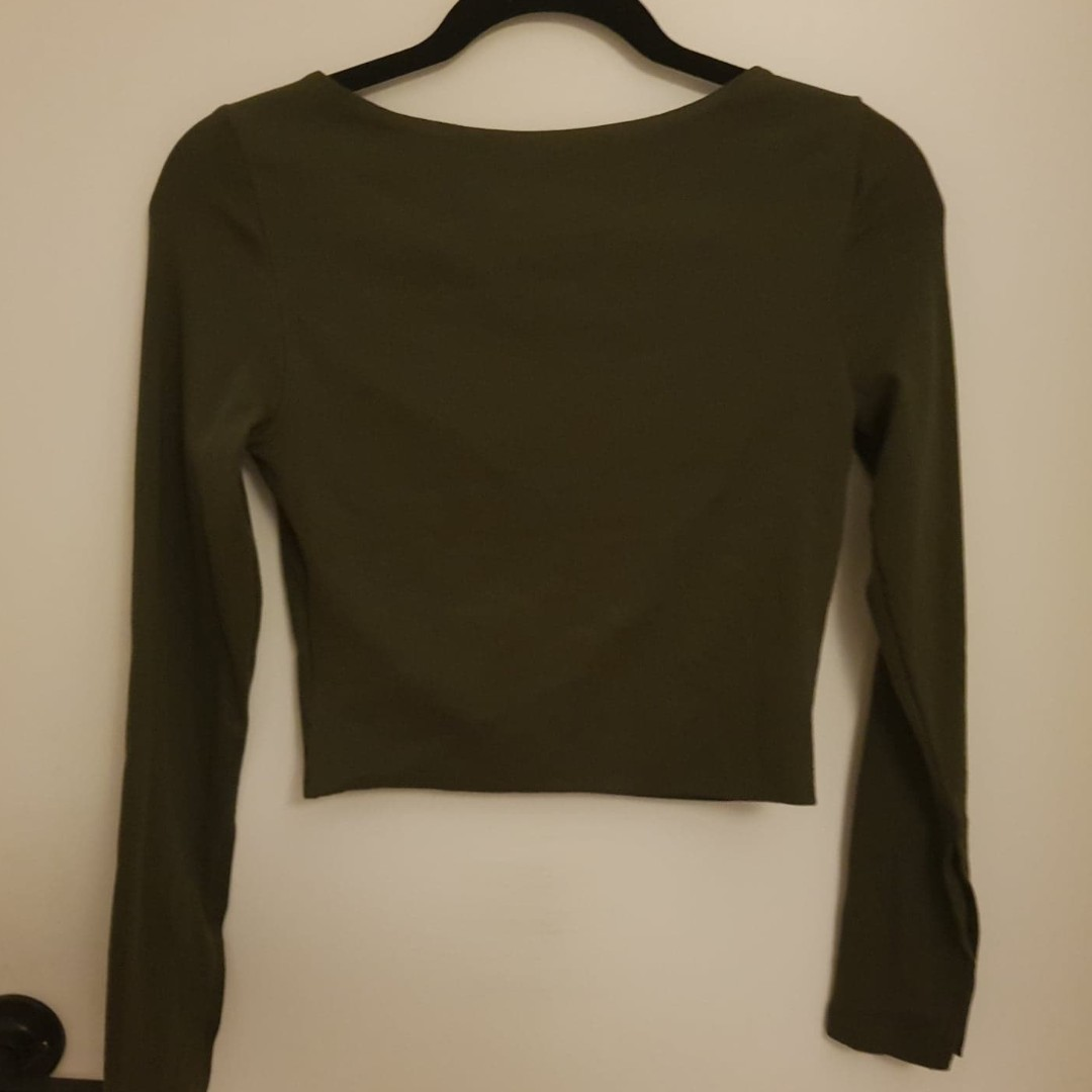 f72f194a590 KOOKAI Beville Crop - BNWT - Army - Size 2, Women's Fashion, Clothes on  Carousell