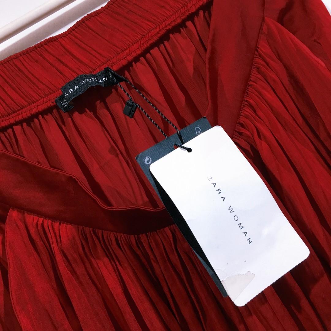 fec2f171 New ZARA WOMAN Silky Maxi Skirt Long Maxi Dress Silk Red 全新絲質紅色長裙中M US6  US8, Women's Fashion, Women's Dresses on Carousell