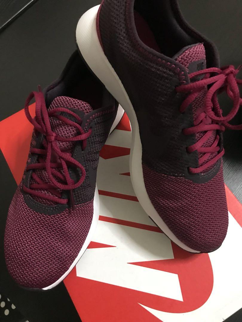 arrives d83b0 2e53e Nike Dual Tone Racer, Womens Fashion, Shoes, Sneakers on Car