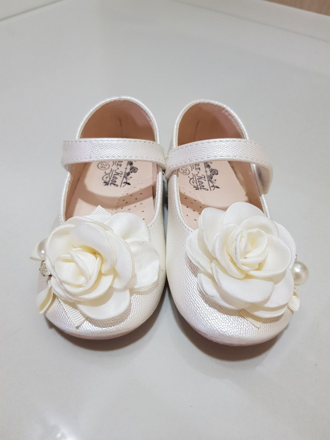 4a85b50bc65 Toddler girl wedding shoes size 24