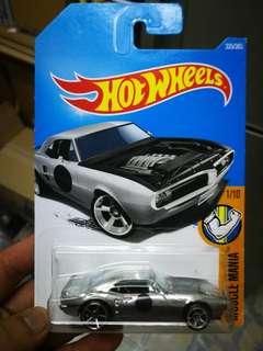Hot Wheels 2017 Custom 67 Pontiac Firebird (zamac)
