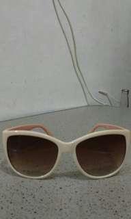 H & M glasses