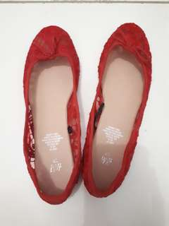H&M RED LACE FLATSHOES