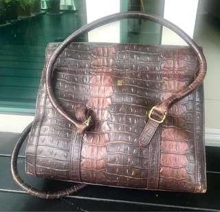 🚚 Leather handbag