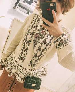 Embroidered vintage flower long sleeve tOP