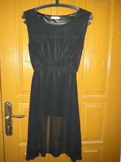 Black short dress YELLOWLINE