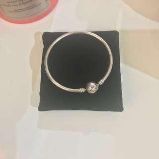 🚚 [FastDeal]Authentic pre-loved Pandora Bracelet 17cm