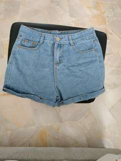🚚 Boyfriend High waist denim shorts