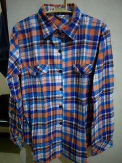 Long sleeves checkered polo