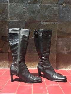 Boot Wanita Hitam Giovanna