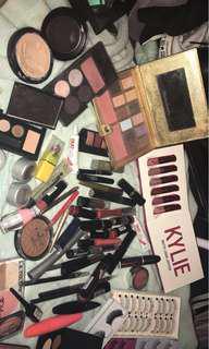 Bulk makeup