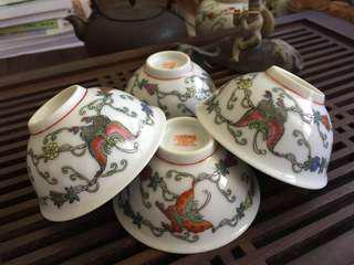 Hand painted Vintage petite gourds and butterflies dessert Bowl, 百瓜蝶小碗,70s 中国景德镇