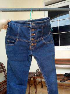 Highwaist blue jeans