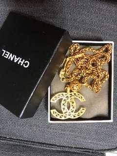 🚚 香奈兒雕花項鍊。購入價20,000