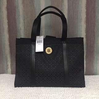 SALE!! Tommy Hilfiger Bag (3k)