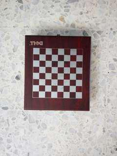 Redwood Chess Set