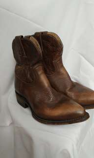 Frye Billy Short Boots 6.5