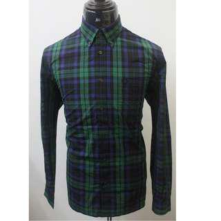 100% Original FRED PERRY Button Down Kemeja size L for MEN.