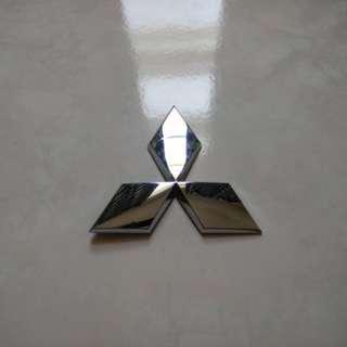 Mitsubishi 3 diamond emblem(ori)