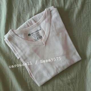 淺粉紅V領素面T恤