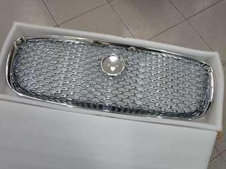 Jaguar XF (X260) 2015 front chrome grill