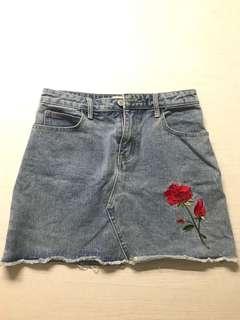🚚 玫瑰刷破牛仔裙