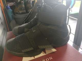 Lebron James Soldier 10 Basketball Shoes