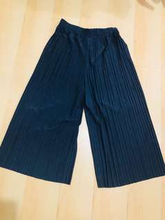 Pleated square pants