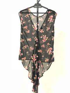 Forever 21 floral sleeveless top with back fish tail