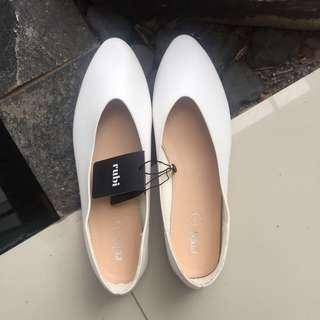 white flatshoes rubi 41