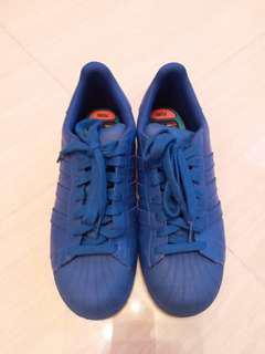 Adidas superstar by pharrell Williams彩藍色