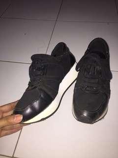 Sepatu Charles & Keith Ori