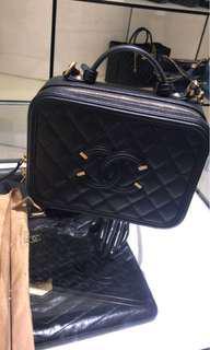 (hold)chanel vanity case 黑色 中size全新