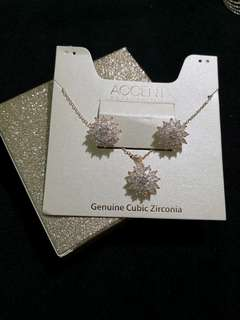 Accent Cubic Circonia Flower Earrings and Necklace Set