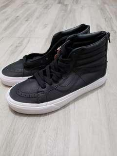(New) Vans leather shoe (size 39)