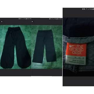Take all pants cannfit med. to semi large