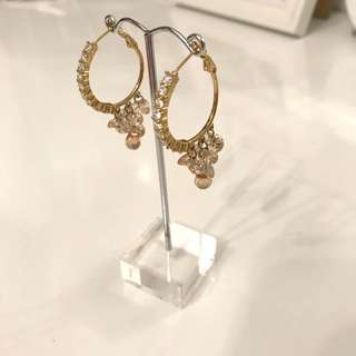 Gorgeous crystal earrings from KOREA In nude tones and gold