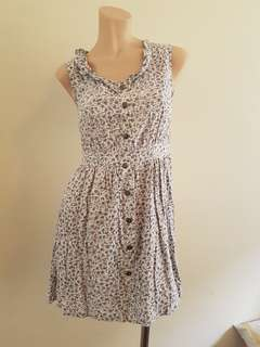 Quirky circus dress size 8. Floral print