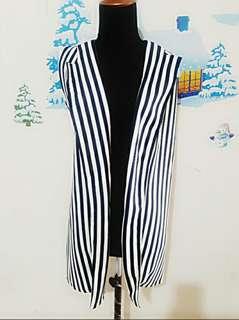 outer stripe biru putih