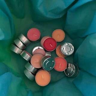 Coloured tea candles
