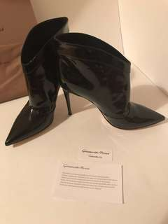 55% discount Pattened boots Gianvito Rossi brand new