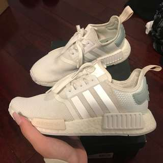 LIKE NEW NMD R1 PASTEL