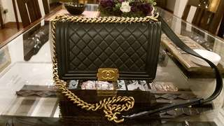 ✅Authentic CHANEL BOY Old Medium Black Rhuthenium Gold HW (local receipt)