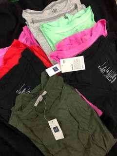 BNWT ~ Gap ladies T-shirt