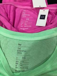 BNWT ~ Gap ladies round neck T-shirt (short sleeve)